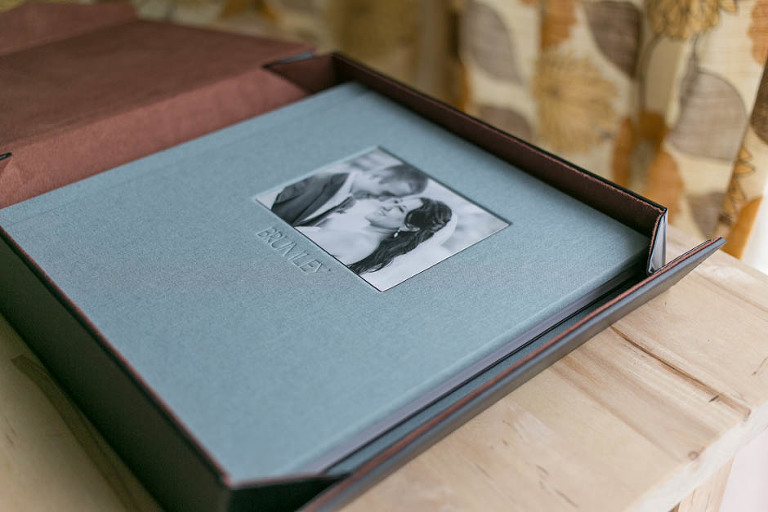 A 10x10 linen sample album by Madera Books.