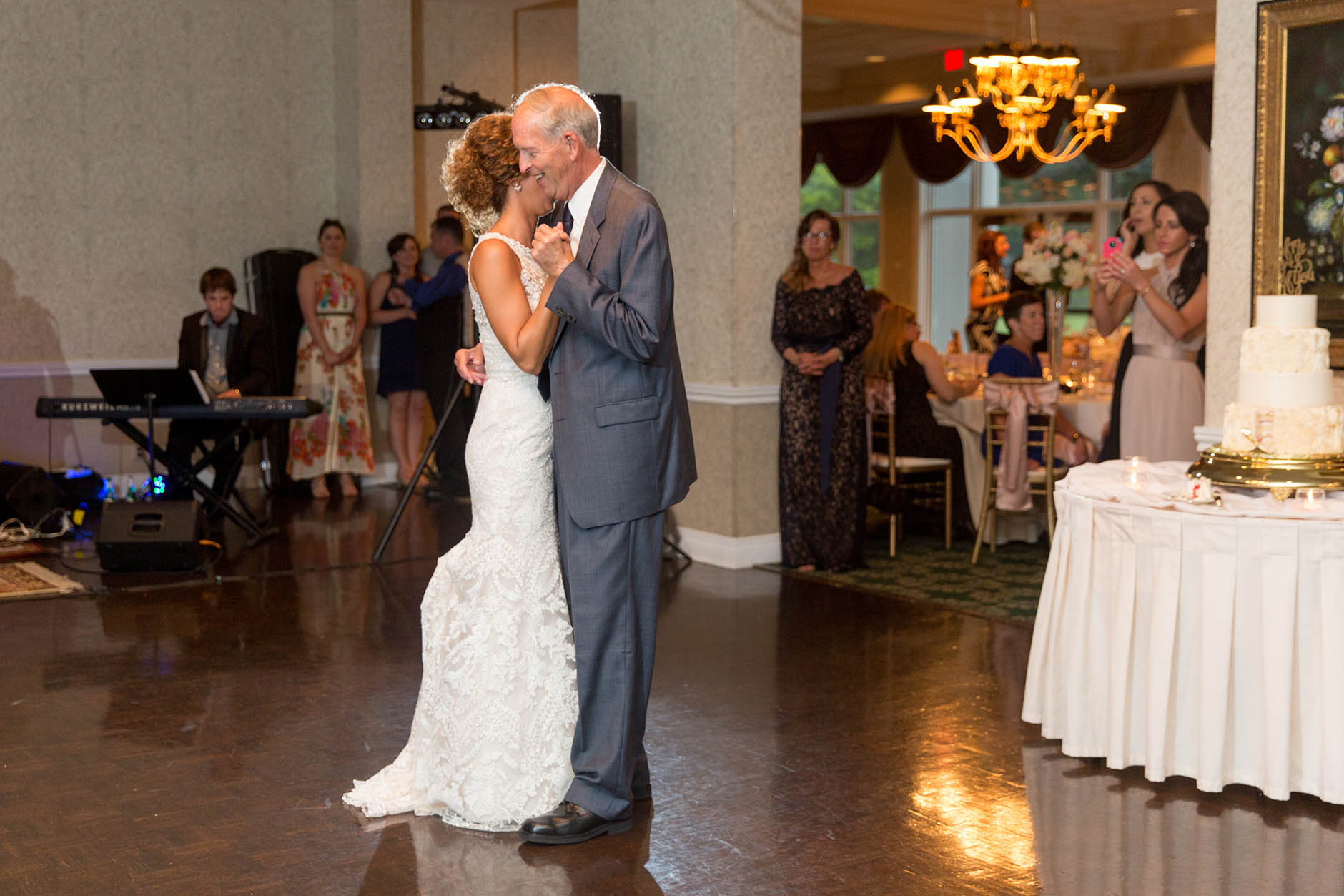 father-daughter-dance-fairlawn-country-club-wedding