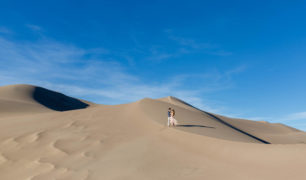 Sand-dunes-engagement-session