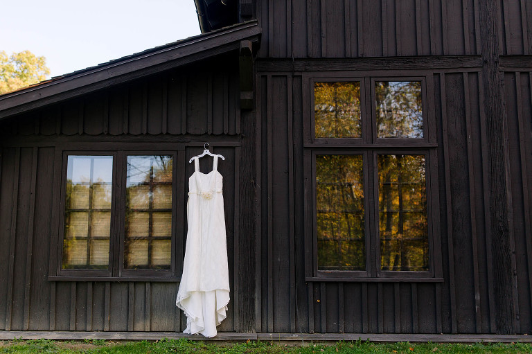 cleveland-rustic-fall-wedding
